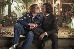 Rocketman - Nach Freddy Mercury nun Elton John: Dexter Fletcher verfilmt nun noch ein Musikerleben. - © Constantin Film