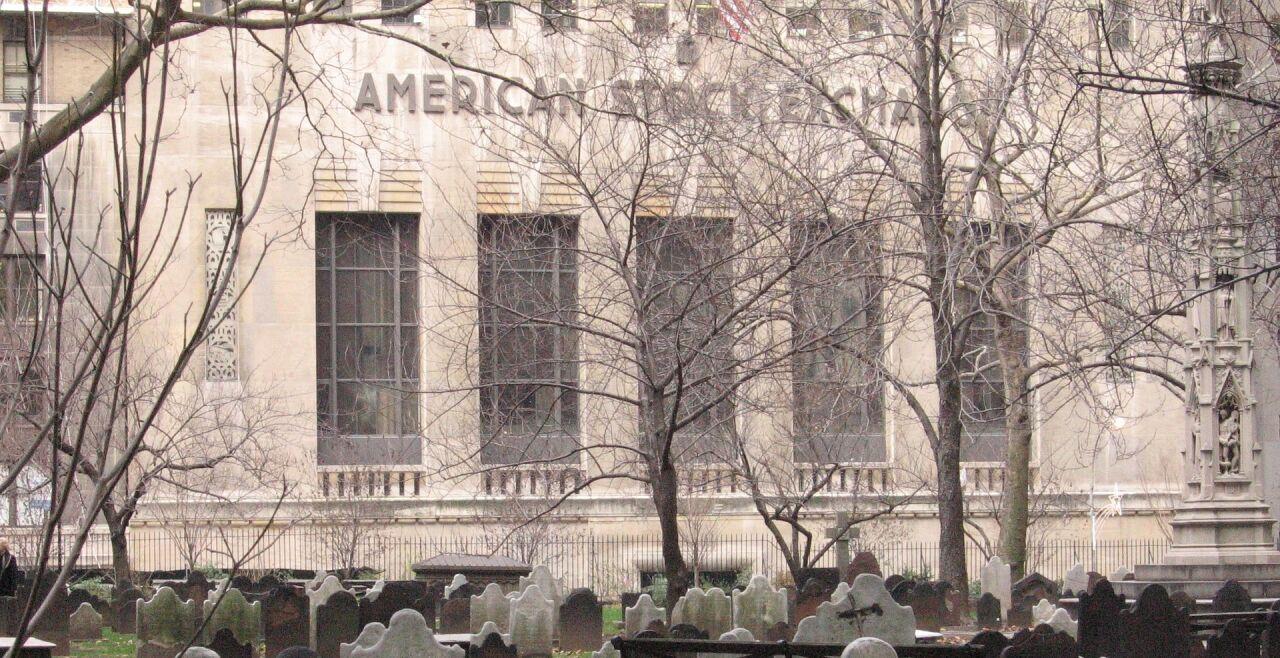 Friedhof_Wallstreet - © Pixabay/Eliszebe