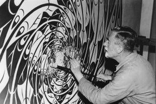 M. C. Escher - M. C. Escher bei der Gestaltung eines seiner Bilder. - © Polyfilm