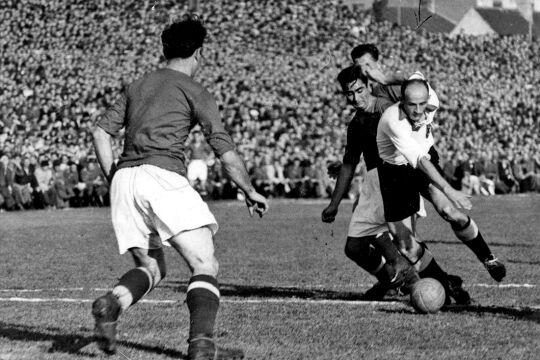 Länderspiel in den 1930ern - © Foto: picturedesk.com  / Ullstein Bild