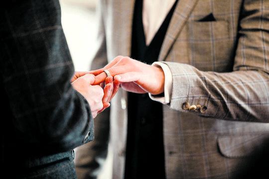 Trauung für alle? - © Foto: iStock / DGLimages