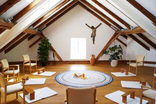 In Tirol und anderswo - Die Don-Bosco-Schwestern bieten im Schloss Wohlgemutsheim in Baumkirchen/Tirol Auszeiten für spirituell Suchende an. - © Schloss Wohlgemutsheim
