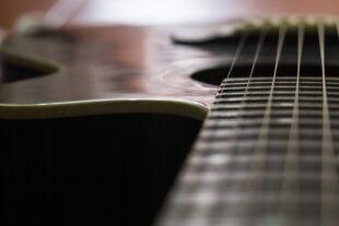 Westerngitarre - © Aracely Mitsu /Pixabay