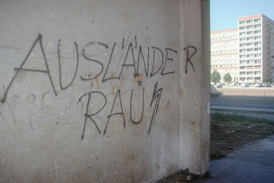 Hausfassade Rassismus Entwicklung - © Foto: picturedesk.com / action press