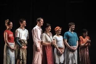 Schuld und Söhne - © www.lupispuma.com / Volkstheater