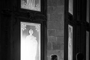 Frauen in der Kirche - © iStock / Joel Carillet