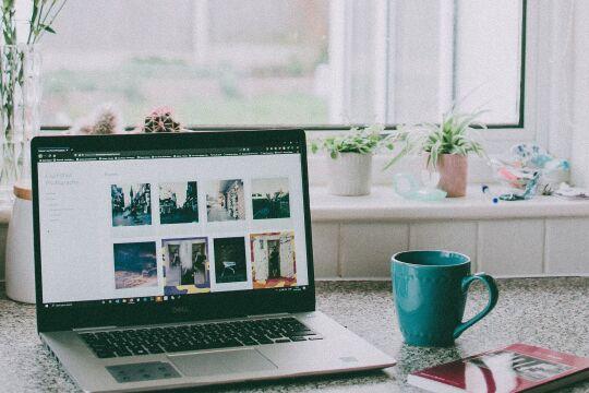 Home Office Telearbeit Heimarbeit - © Foto: Lisa Fotios / Pexels