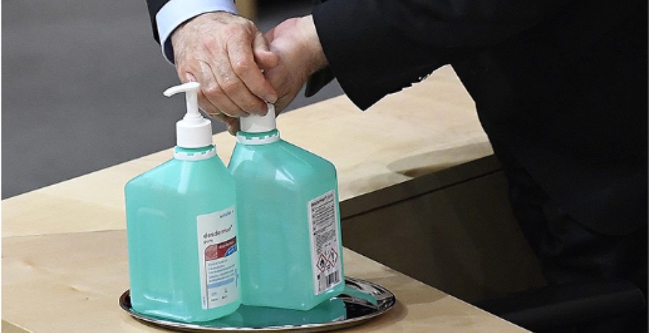 Desinfektionsmittel, Werner Kogler, Parlament  - © Foto: APA / Robert Jaeger