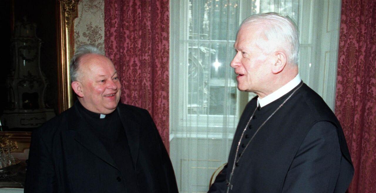 Groer Krenn - © APA / Kelly Schoebitz - Bischof Kurt Krenn (li.) und Kardinal Hans Hermann Groer