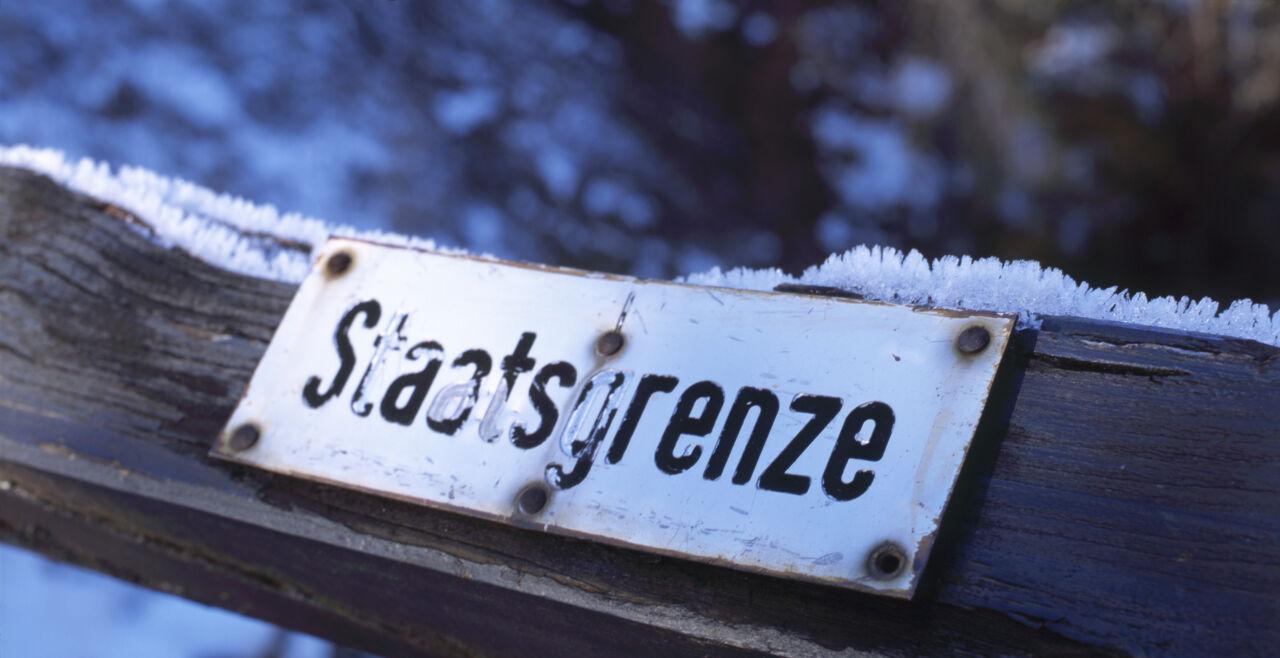 Staatsgrenze - © Fotos: Bernd Ctortecka
