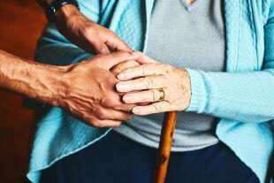 Pflege - © Foto: iStock / Dean Mitchell