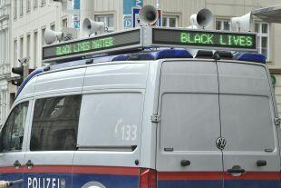 Polizei Black lives Matter - © Foto: APA / Hans Punz