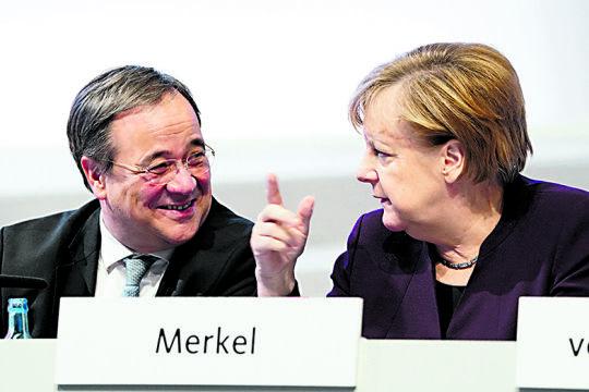 Armin Laschet und Angela Merkel  - © Foto:  picturedesk.com / dpa / Kay Nietfeld