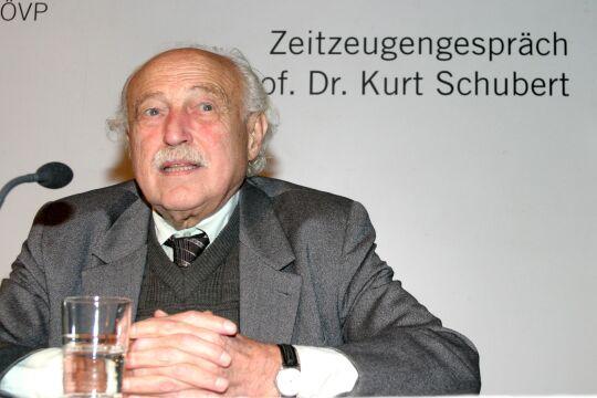 """Kurt Schubert - Kurt Schubert (1923–2007), Beiname """"Moses"""", am 7. November 2005 im Karl von Vogelsang-Institut. - © Vogelsang-Institut"""