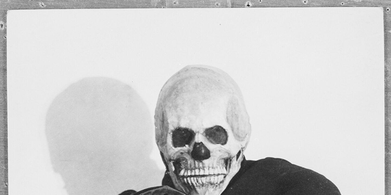Jedermann - Werner Krauss als Tod und Alexander Moissi als Jedermann in der ersten Aufführung der Salzburger Festspiele 1920. Inszenierung: Max Reinhardt. - © Foto: picturedesk.com / Carl Ellinger / ÖNB-Bildarchiv