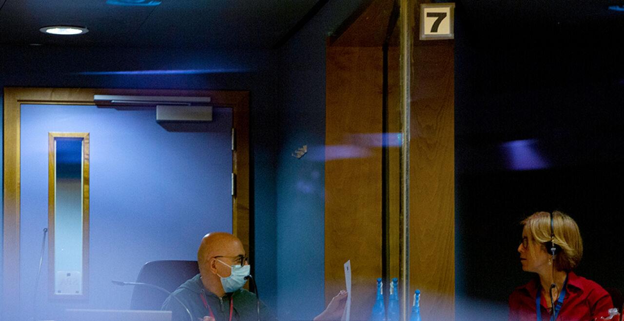 Dolmetscher - © Foto: APA / AFP / Pool / Virginia Mayo