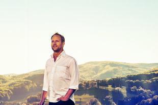 Matthias Strolz - Geboren 1973 in Bludenz, war ab 2012 Neos-Mitbegründer und bis 2018 Parteichef. Heute begleitet er Personen, Organisationen und Unternehmen in Entwicklungsprozessen. Als Publizist ist er zudem Co-Founder der Geschichten-Plattform story.one. - © story.one / Andreas Hofer