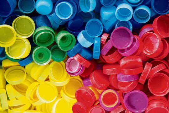 Plastikdeckel - © Foto: iStock / Sner