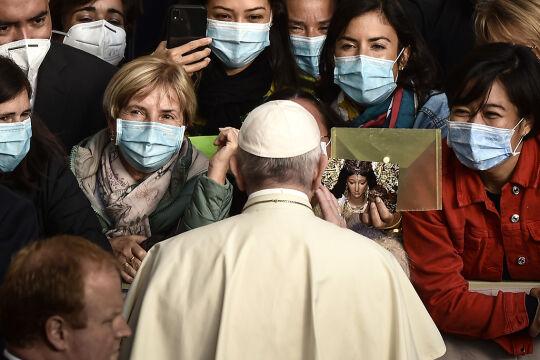 Fratelli Tutti Enzyklika Franziskus - © Foto: APA / AFP / Filippo Monteforte