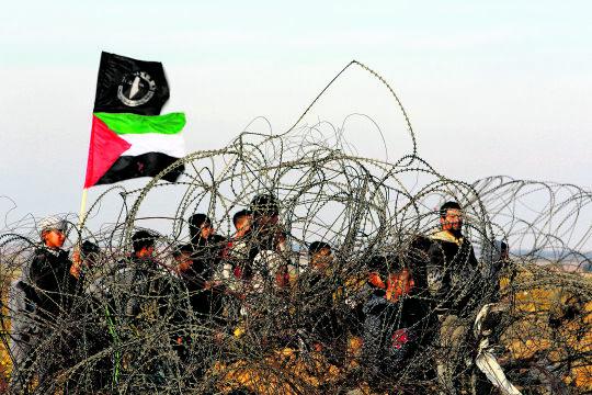 Aufstand der Jungen - © Foto:  Getty Images / NurPhoto / Abed Rahim Khatib