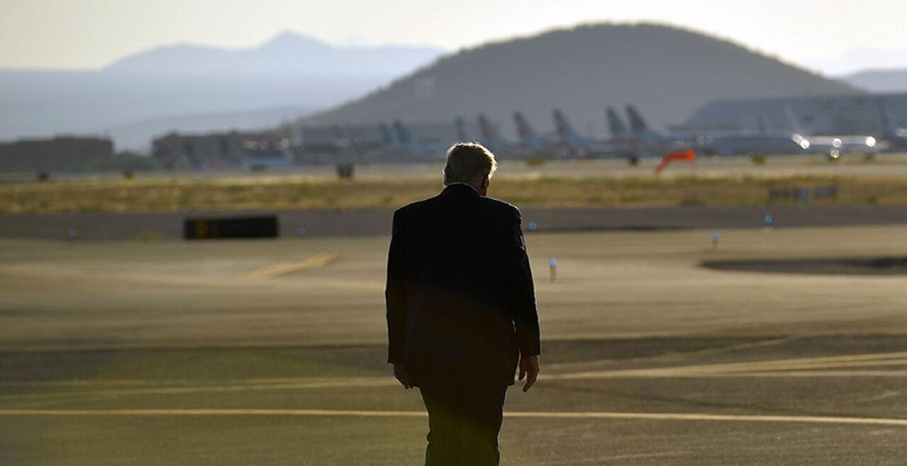 Trump von hinten - © Foto: APA / AFP / Mandel Ngan