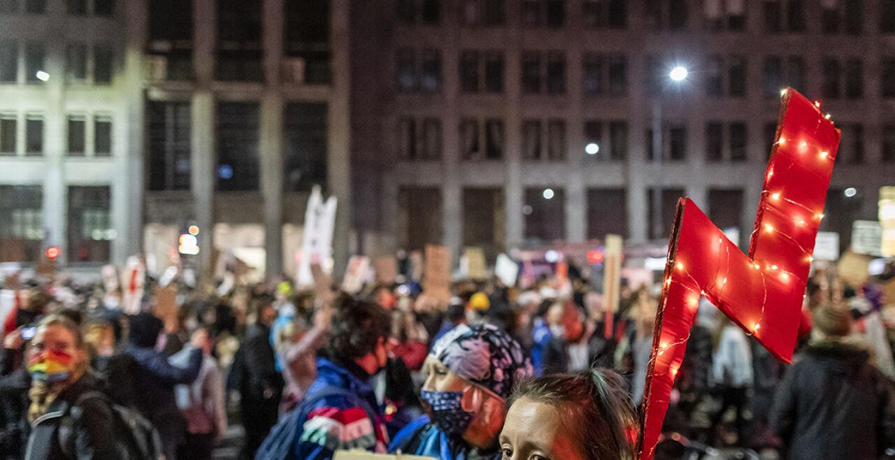 Polen Proteste Abtreibung - © Foto: APA / AFP / Wojtek Radwanski