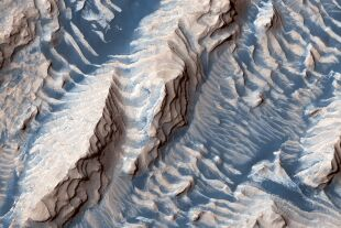 Krater am Mars - © NASA