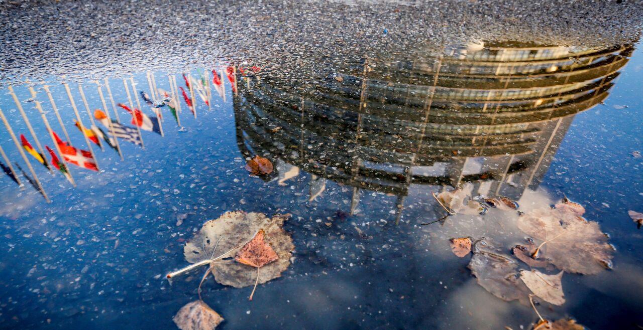 Europaparlament - alle sitzen immer mit am Entscheidungstisch - Alle Vorschläge der Europäischen Kommission für neue Rechtsnormen bedürfen der Zustimmung der EU-Mitgliedsstaaten und des Europäischen Parlaments. - © European Parliament
