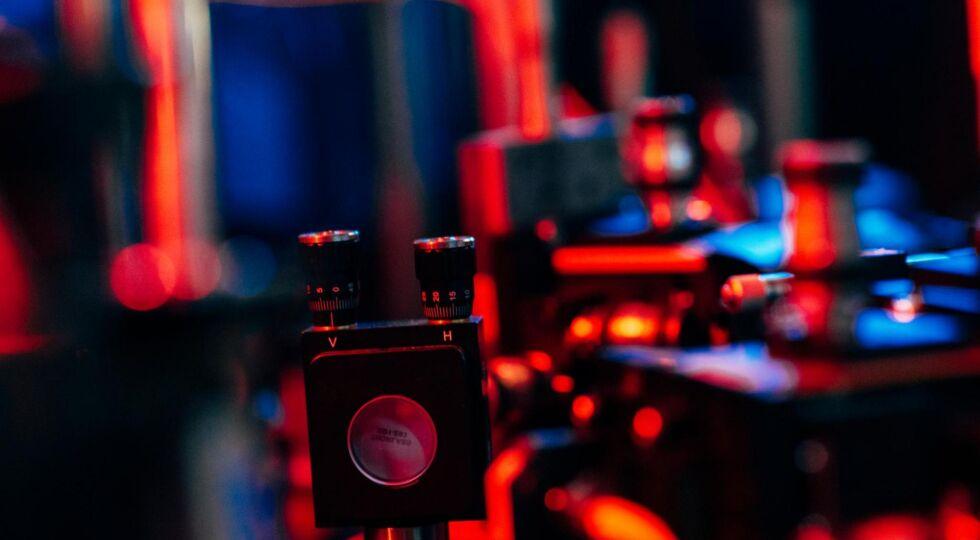 Quantenphysik - Vorrichtungen für quantenphysikalische Experimente am Institut für Quantenoptik und Quantenkommunikation der ÖAW in Wien. - © Foto: ÖAW