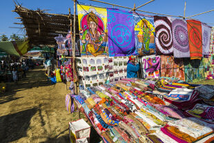 Hippie-Flair - Flohmarkt in Anjuna, Goa - © Getty Images / F. Bisnewald / LightRocket
