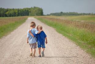 Geschwister - © Foto: iStock / ImagineGolf