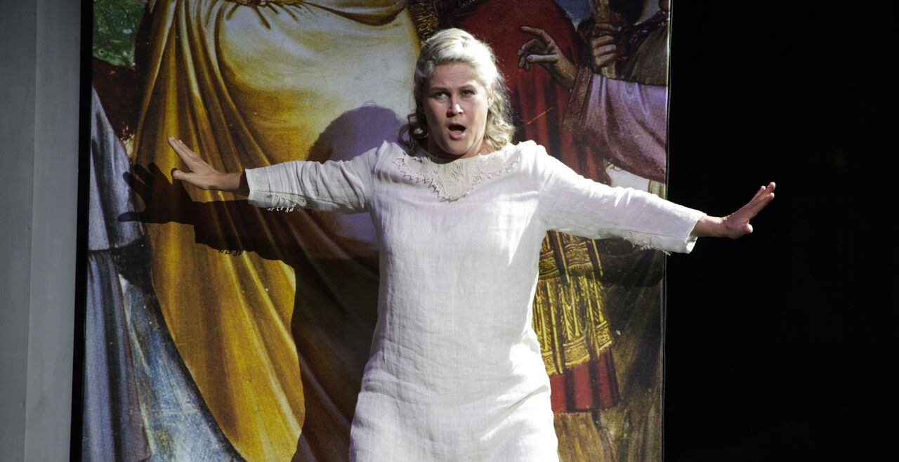 Maria Magdalena - Ursula Langmayr singt in der Retzer Stadtpfarrkirche die starke Maria Magdalena, Apostolin der Apostel. - © Claudia Prieler