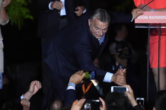 Orbán - © Foto: APA / AFP / Attila Kisbenedek