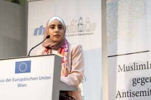 """canan yasar - © Muslimische Jugend Österreich - Canan Yasar bei der Abschlussveranstaltung """"MuslimInnen gegen Antisemitsimus"""" im Mai 2019 in Wien"""
