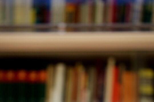 Habermas - <strong>Jürgen Habermas</strong><br /> Der am 18. Juni 1929 in Düsseldorf Geborene war Assistent von Th. W. Adorno und Max Horkheimer in Frankfurt, auf dessen Lehrstuhl er 1964 folgte. 1971 wurde er Ko-Direktor des Max-Planck-Instituts in Starnberg, 1983 war er bis zu seiner Emeritierung 1994 wieder Professor für Philosophie in Frankfurt. - © picturedesk.com / Martin Gerten / EPA