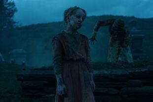 The Dead Don't Die - Als die frisch ihren Gräbern entstiegene Horde in Centerville einfällt, stöhnt sie nach WLAN, Schokoriegeln und Siri … - © Universal
