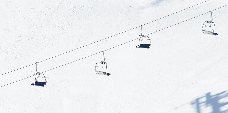 Skilift - © Foto: iStock/georgeclerk