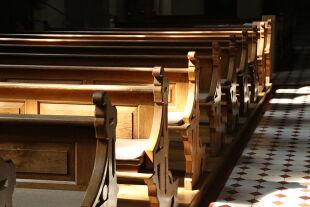 Leere Kirche - © Foto: iStock / Leo Malsam