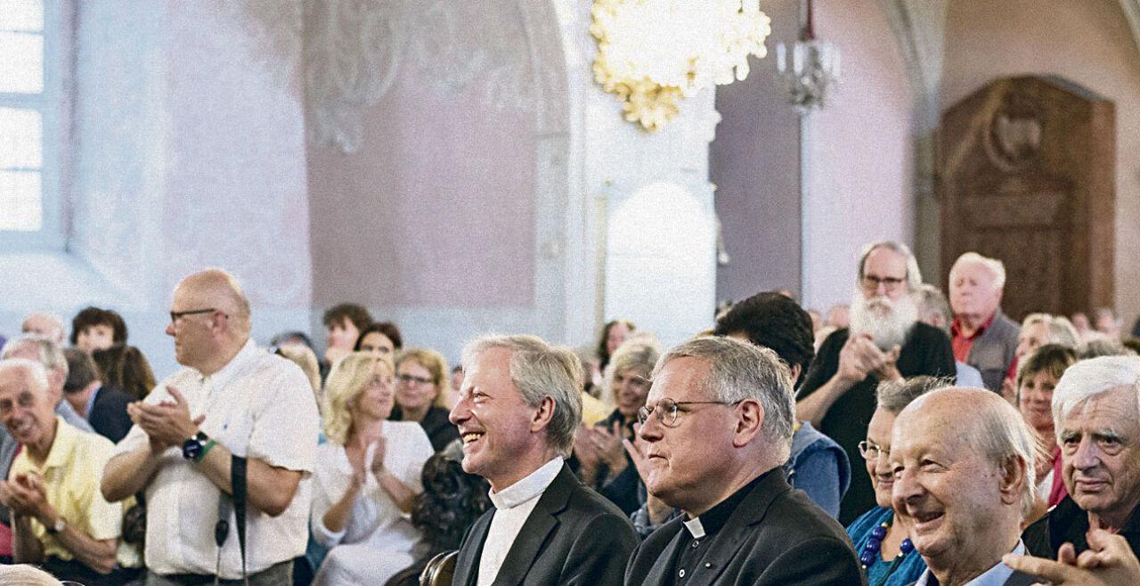 Guggenberger - Solidaritätskundgebung für Engelbert Guggenberger (l.) am 3. Juli 2019 im Klagenfurter Dom