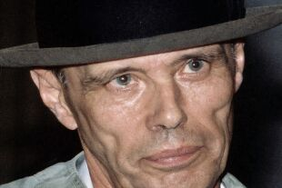 Beuys - © Foto: Getty Images / Ullstein Bild / Probst