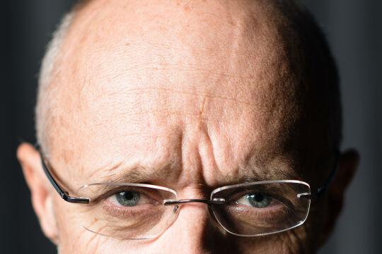 """""""Mister Skisprung"""" Toni Innauer - Toni Innauer, geboren 1958 in Vorarlberg, ist Skisprung- Olympiasieger,<br /> langjähriger Erfolgs-Trainer und ÖSV-Sportdirektor. Der Mehrfach-Unternehmer und Autor lebt in Tirol. - © Manfred Weis"""