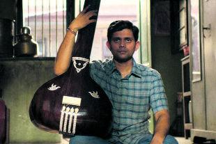 """Der Schüler - Der großteils in der indischen Sprache Marathi gedrehte Film """"Der Schüler"""" ist ein kräftiges Lebenszeichen des indischen Autorenfilms abseits von Bollywood. (Aditya Modak als Sharad Nerfulkar) - © Foto: Netflix"""