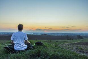 Spiritualität Meditation - © Bild von Benjamin Balazs auf Pixabay