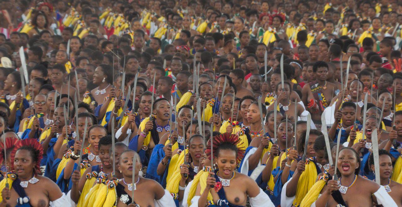 W_photogrammes_190813.0180857-©Daniel-Meyer-Stéphane-Azouze-Swaziland-scaled - © Polyfilm