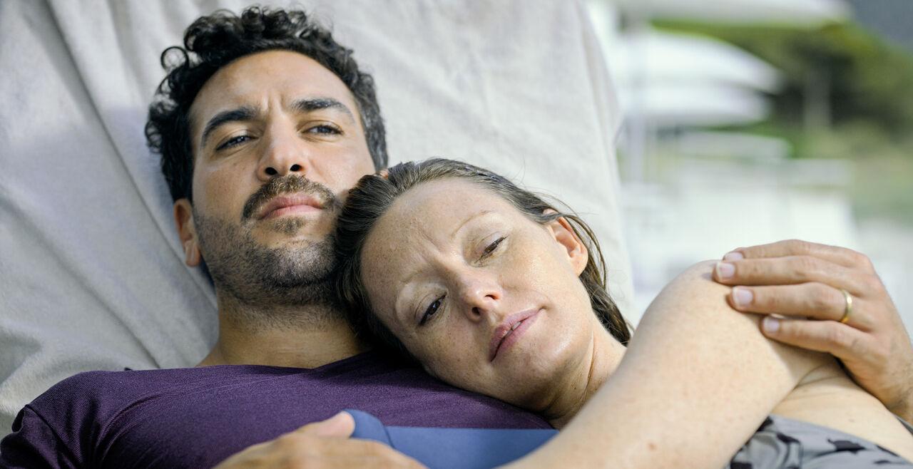 """""""Was wir wollten"""" - Elyas M'Barek und Alice Lavinia Wilson als ein Paar in Midlife-Nöten"""