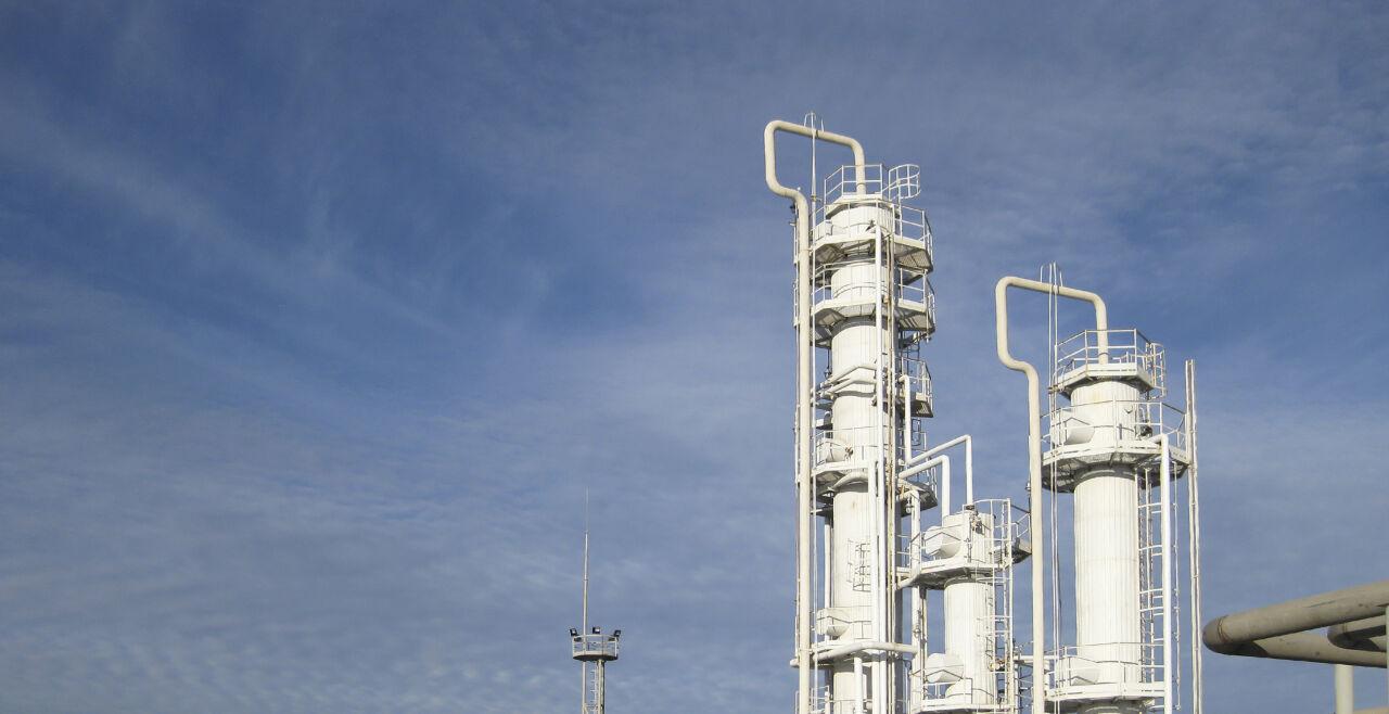 Raffinerie - © Foto: iStock / Leonid Eremeychuk