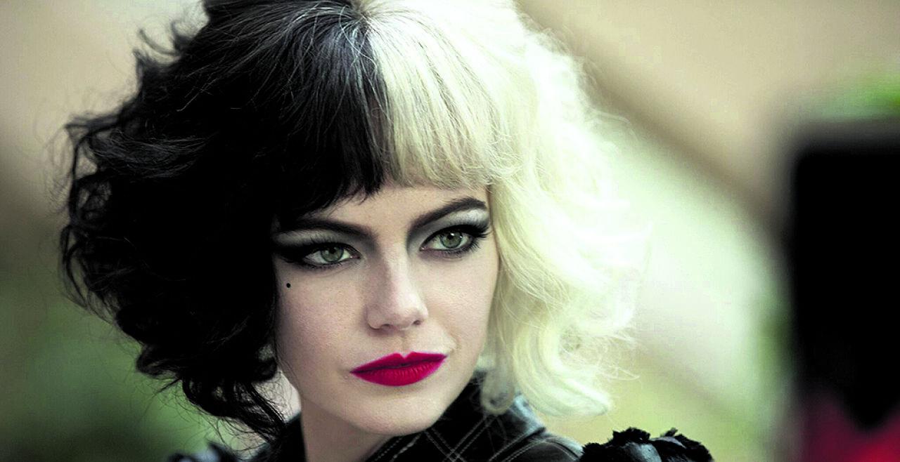 """Cruella - © Cruella"""" mit Emma Stone und Emma Thompson gefällt durch Opulenz und Extravaganza: grandiose Besetzung, oscarreife Kostüme."""