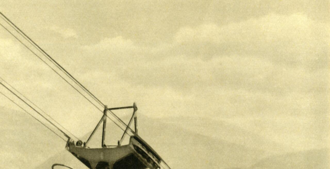 Top-Ausflugziel Rax-Seilbahn - Die Rax-Seilbahn, hier ein Bild von 1935, ist der Tourismus-Magnet in Niederösterreich, der in Vor-Corona-Zeiten jährlich rund 180.000 Gäste auf das Bergplateau zog. - © The Print Collector via Getty Images
