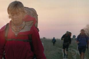 """Himmel über dem Camino – Der Jakobsweg ist Leben! (Camino Skies) - Viele Hiobs flüchten sich im Film """"Himmel über dem Camino"""" auf den Jakobsweg und erhoffen sich, auf der elendslangen Strecke aus ihren biografischen Elenden voller Trauer frei zu gehen."""