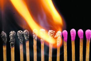 Zündhölzer Entzündung Brand  - © Foto: iStock / pxhidalgo